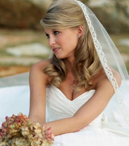 16 Gorgeous Medium Length Wedding Hairstyles: Wedding Hairstyles For Medium Length Hair