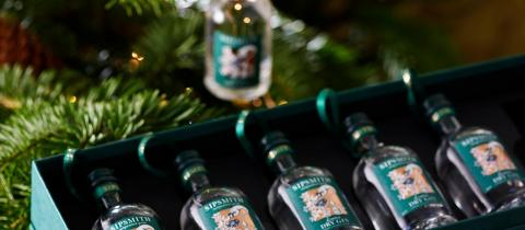 Here's The Perfect Christmas Tree Decoration That Contains Gin