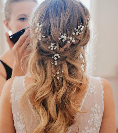 Beautiful And Simple Bridal Hairstyles For Your Wedding