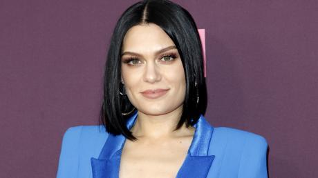 Jessie J Owns Her Cellulite In Body Positive Insta Posts