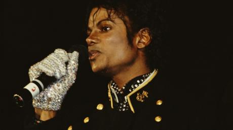 Michael Jackson Almost Died In 9/11 - But He Was Saved By His Mother