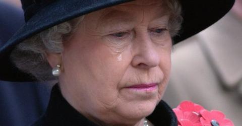 Queen Elizabeth: Tragic Death Shakes The Royal Family