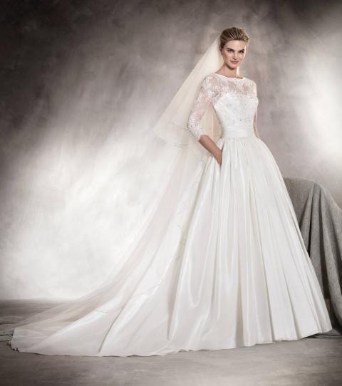 Pronovias Prunelle Wedding Dress