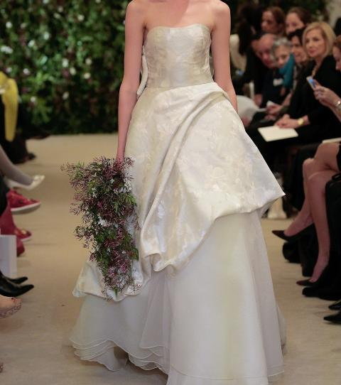 61f94b0fd Strapless princess wedding dress - Carolina Herrera