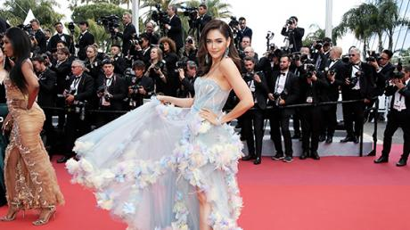 This Actress Suffered A VERY Unfortunate Wardrobe Malfunction On The Cannes Red Carpet