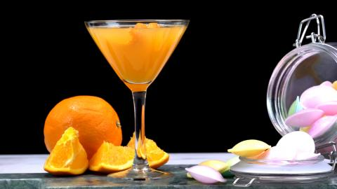 Treat Your Date To This Impressive 'Passionate Love' Cocktail This Valentine's Day