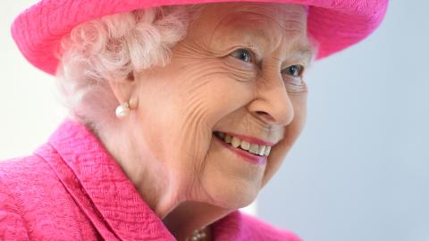 This Is The Date That The Queen Will Abdicate The Throne