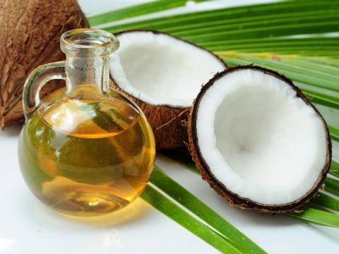 Coconut Oil: All Its Benefits For Your Hair