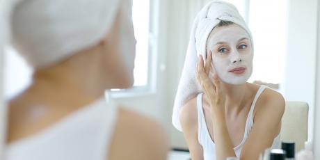 Make Two Perfect Anti-Aging Masks From Just One Egg