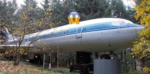 This Man Has Lived In A Boeing 727 For 15 Years... Now He Has Even Bigger Plans