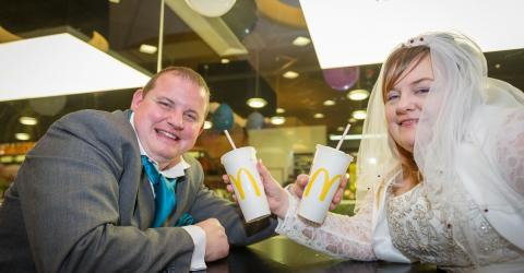 This Couple Decided To Get Married In McDonald's... And The Photos Are Incredible