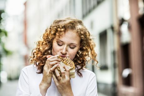 Does Eating Alone Really Help You Lose Weight?
