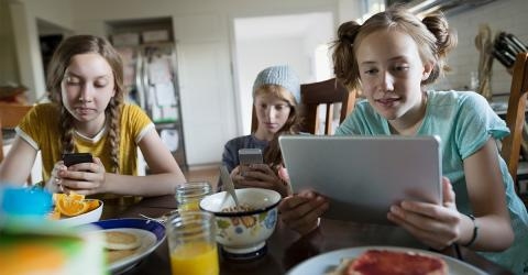 This New Study Shows Social Media Could Be Having An Influence On Children's Nutrition