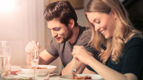 This Is How Being In A Relationship Affects Your Taste Buds
