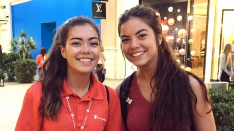 She Met Her Clone In A Random Mall, And Then Found Out She Had Even More!