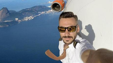 This Pilot's Selfie Provoked Hundreds Of Angry Comments - But They All Missed One Crucial Detail
