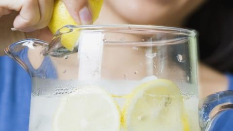 Drinking Lemon Water Every Morning Could Actually Be Healthier Than You Think
