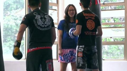 This Muay Thai Professional Pulls A Prank By Pretending She's A Beginner At The Boxing Gym