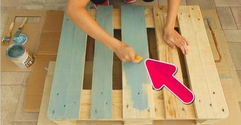 She Transformed This £5 Pallet Into A £150 Piece Of Furniture For Barely Anything