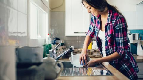 This Is Why You Need To Stop Washing Your Dishes By Hand!