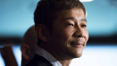 This Japanese Billionaire Just Broke The Record For The Most Shared Tweet In History