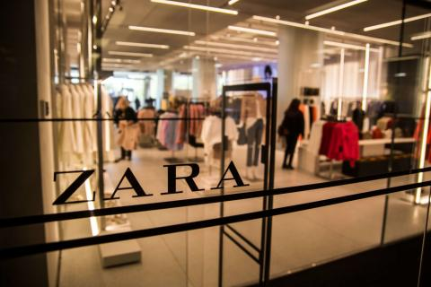 Shoppers Are Left Outraged After Zara 'Updated' Its Logo And They Aren't Holding Back