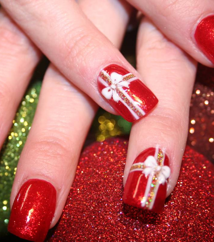 Celebrate Christmas With Festive Nail Art Designs