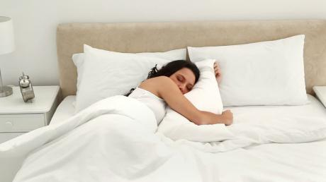 the secret to losing weight could well be hiding between the sheets