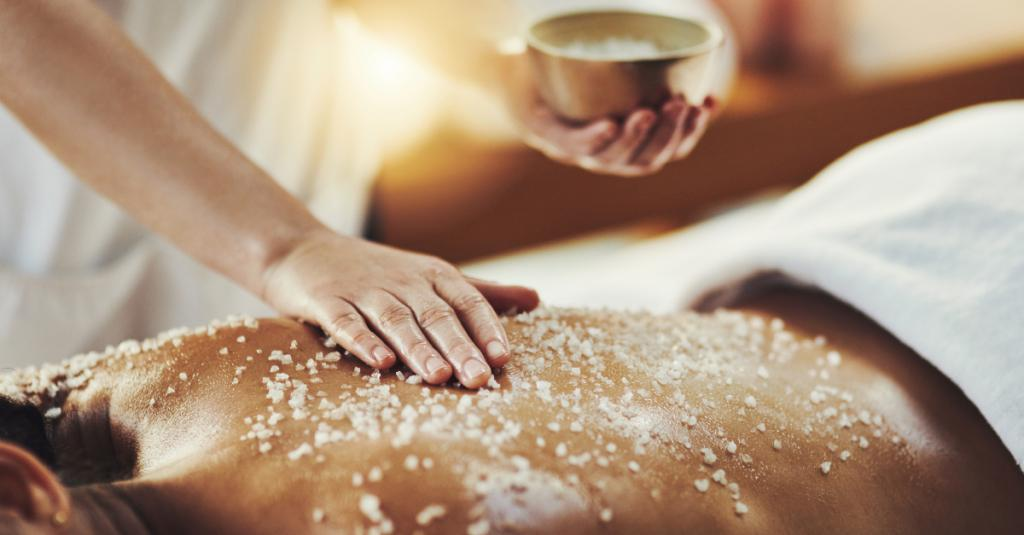 You Can Make Your Own Body Scrub At Home With This Recipe!