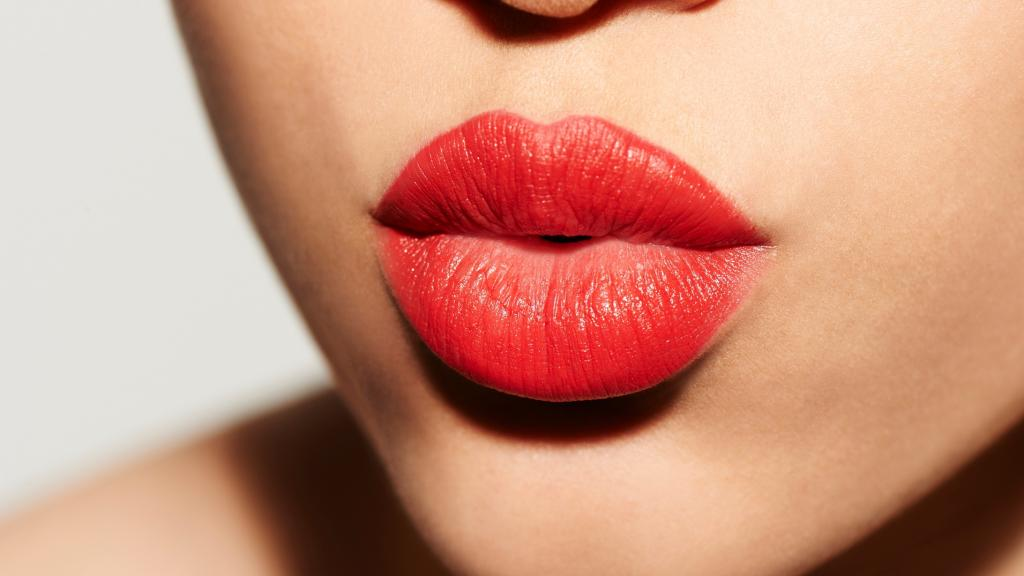 Natural super-remedies to get softer, smoother lips