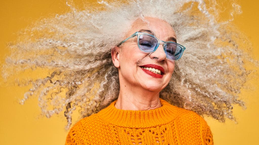 Grey hair: Eat these foods to delay premature grey hair