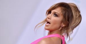 Jennifer Lopez Poses Completely Nude and Shows Off Sculpted Body in Jaw-Dropping Photo - Worship