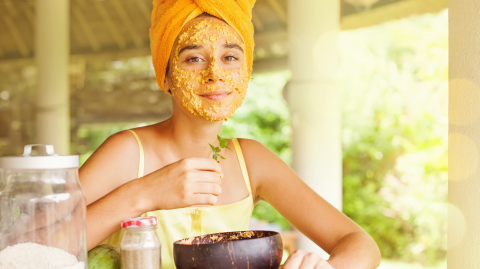 This oat mask is the only DIY skincare you should put on your face