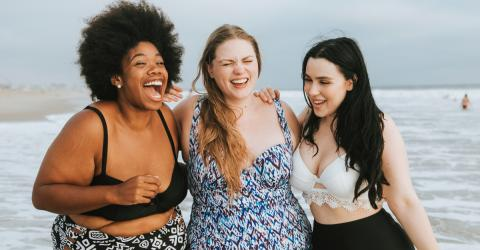 The Most Beautiful Clothes For Curvy Women (And They're On Sale)