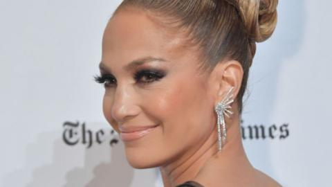 Jennifer Lopez Posted An Adorable Makeup-Free Selfie With Her Children