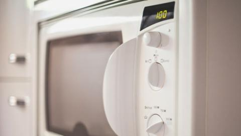 5 Foods You Should Never Put in the Microwave