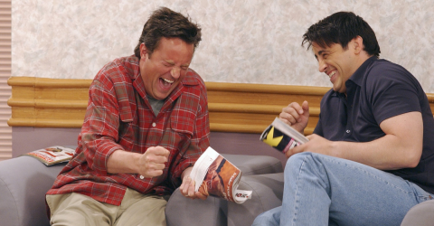 There Are Two Huge Mistakes In This Classic Joey And Chandler Scene That You Never Noticed