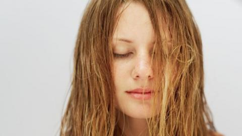 Have You Stopped Washing Your Hair While Under Lockdown? This Could Be a Bad Idea