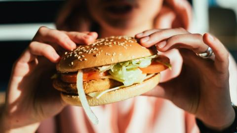 Are Restaurants Really Healthier Than Fast Food? The Answer May Surprise You...