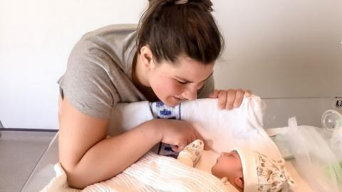 31-year-old mum suffers rare post-partum psychosis a week after giving birth