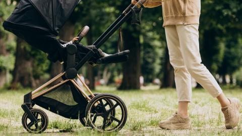 Lidl Are Selling a Top Of the Line Stroller For Less Than £50 Next Week