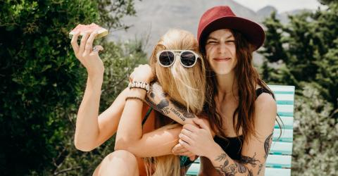 This Study Proves That You're Even More Connected To Your Best Friend Than You Think