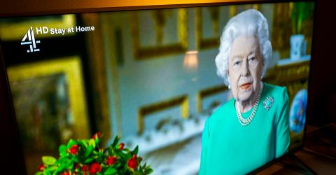 This Is a Symbolic Reason Why Queen Elizabeth II Was Dressed in Green for Her Speech